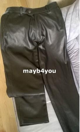 Lange broek van zwart lam